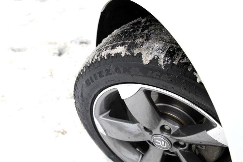 Bridgestone BLIZZAK ICE на мерседесе